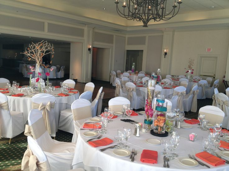 Summer colors and seaside elements define the beach wedding at Rehoboth Beach Country Club.