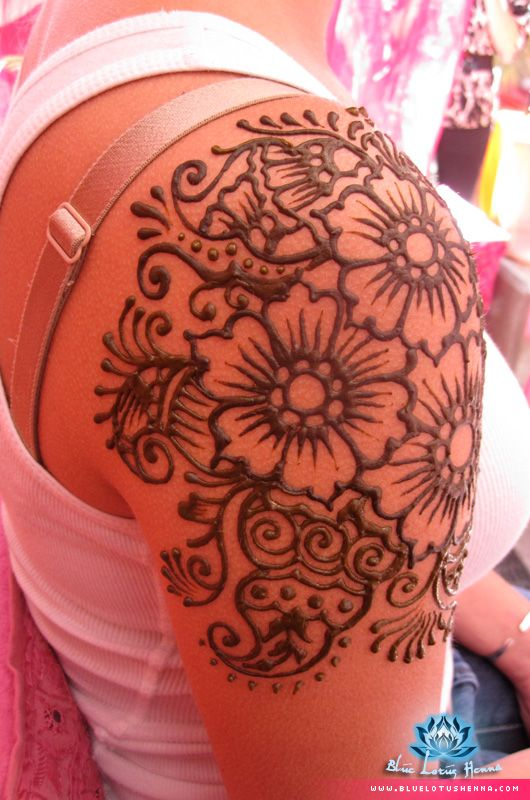 Blue Lotus Henna * Galleries - would love to have henna tattoos on my arms or feet just for the spring/summer.
