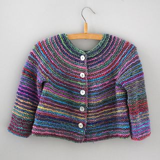 Beautiful knitted Top Down Cardigan for Kids. Pattern and Design by Rosa Gröszer, made of wonderful Silk Garden Sock by Eisaku NORO. Download the pattern, buy some yarn and start to knit!