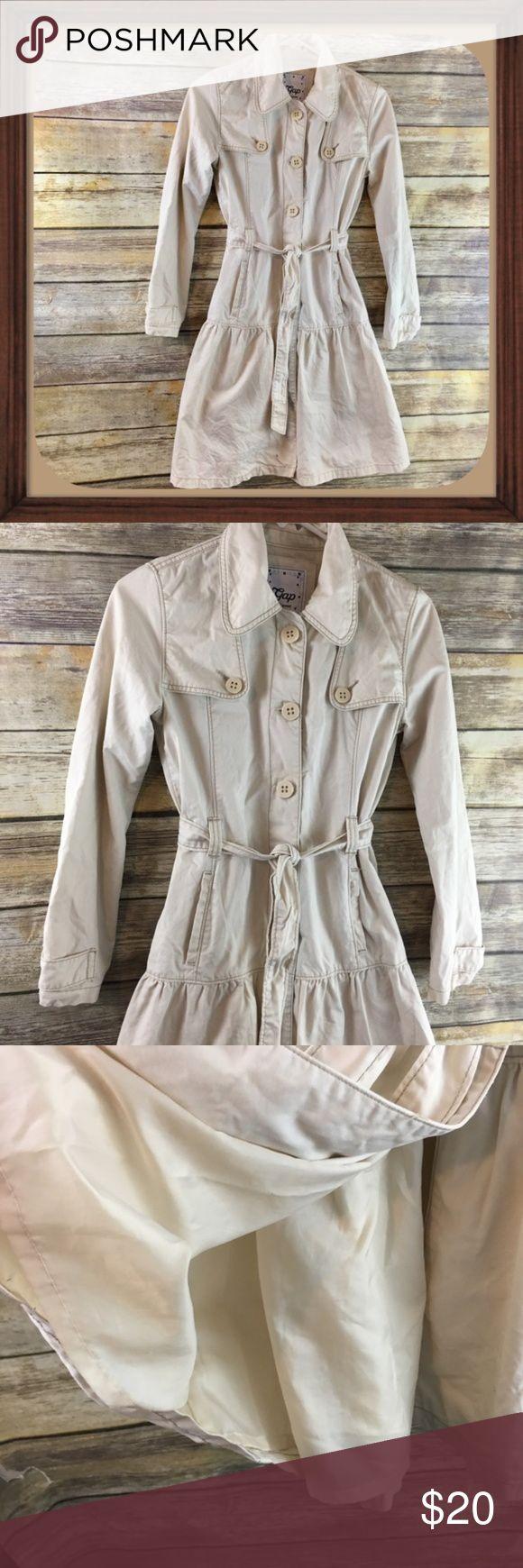 Gap Khaki Girls Trench Coat Size 12 EUC Khaki girls trench coat. Size 12. In excellent used condition. 35 inches long. 22 inch sleeves. 16 inches arm pit to arm pit. Pockets on sides. GAP Jackets & Coats