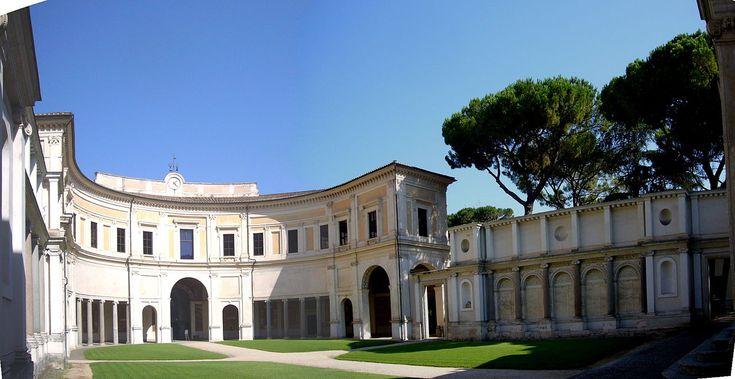 В 1550—1555 годах Виньола вновь работает в Риме, главным образом над строительством и обустройством виллы Папы Юлия III — так наз. Виллы Джулия (итал. Villa Giulia). Совместно с Виньолой над заказом папы работали Бартоломмео Амманати и Джорджо Вазари.