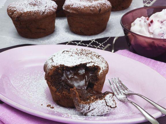 Flüssige Schokomuffins ist ein Rezept mit frischen Zutaten aus der Kategorie Schokoladenkuchen. Probieren Sie dieses und weitere Rezepte von EAT SMARTER!
