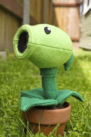 Plants vs Zombies!!!!: Patterns Plants, Dreams Houses, Lawn Art, Zombies Peashoot, Plants Vs Zombies, Peas Shooter, Stuffed Animal, Sewing Patterns, Crafts