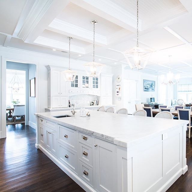 Hamptons style kitchen design #oceanbludesigns