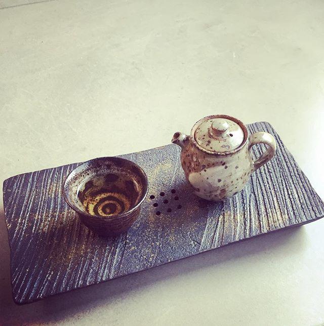 Aged Qing Xin oolong 2003 @thetea.pl #theteapl #theteaplclub #november2016 #oolong #agedoolong #oolongtea #teaddict #jirilang #teapot #efzen #teacup @pu_erh.sk #andrzejbero #beropotterystudio #teaplate @7rzej #teaware_addict