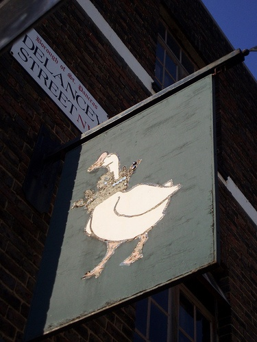 Crown & Goose - cheap pub eats in Camden