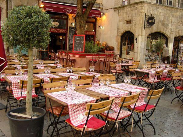 Terrasse du Restaurant Chez Louise dans le Vieux Lyon
