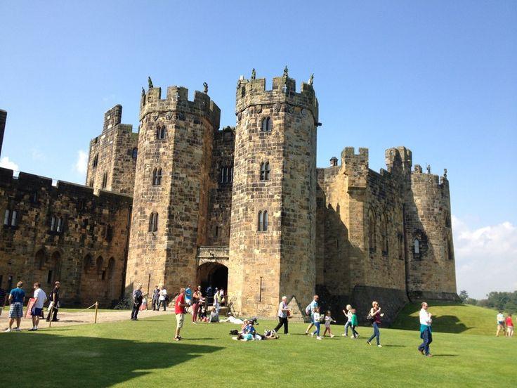 Il castello di Alnwick è un castello che si trova nella città di