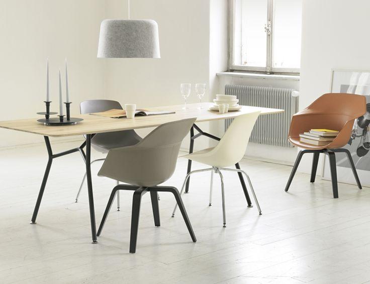 Möbel mit schlanken Beinen