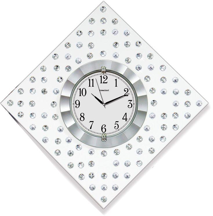 Gümüş Renk  Dekoratif Taşlı Duvar Saati  Ürün Bilgisi ;  Ürün maddesi : MDF & Plastik Gövde ve Gerçek Cam Kullanılmıştır  Ebat : 55 cm x 55 cm  Büyük boy Mekanizması : Akar saniye, sessiz çalışır Taşlarla süslenmiş Garanti : Saat motoru 5 yıl garantili Gümüş Renk  Dekoratif Taşlı Duvar Saati Üretim  : Yerli üretim Kullanım ömrü uzundur Kalem pil ile çalışmakta Ürün fotoğrafta görüldüğü gibi olup orjinal paketindedir Sevdiklerinize hediye olarak gönderebilirsiniz