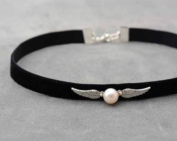 Harry Potter jewelry Black Velvet Choker with natural pearl