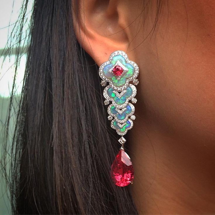 Opals and spinels @louisvuitton high jewellery launch #blossom #highjewellery…