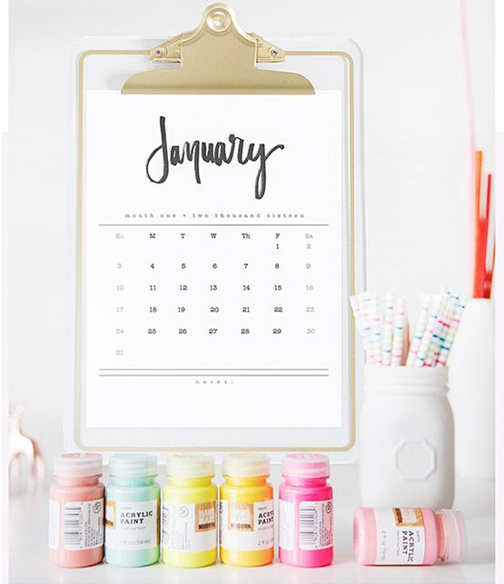 Download and print off your 2016 Hand Lettered Calendar for the new year!