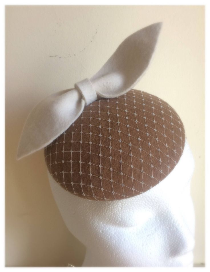 Excited to share the latest addition to my #etsy shop: Brown felt fascinator hat with cream bow trim http://etsy.me/2AKf6Et #winterracing #brownfelt #felt #headwear #occasion #millinery #headpiece #fascinator