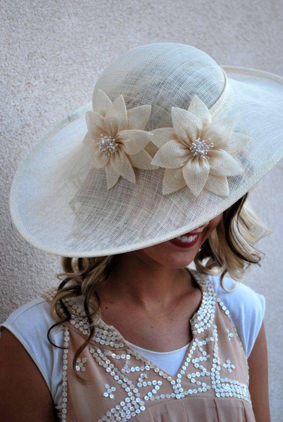 Ivoor Sinamay Derby hoed Womens Tea Party hoed door QueenSugarBee