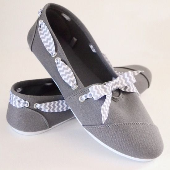 Rivets and bows shoe makeover by Dream a Little Bigger at Mom Spark