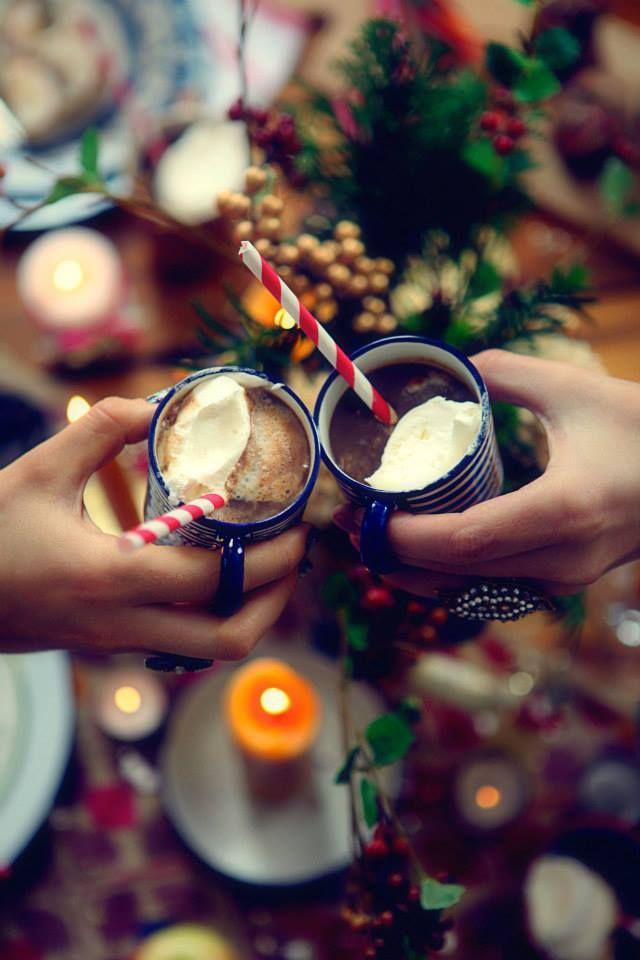Commençons cette merveilleuse journée par de délicieux chocolats chauds à savourer au pied du sapin !  #drink #hotchocolate #chocolatchaud