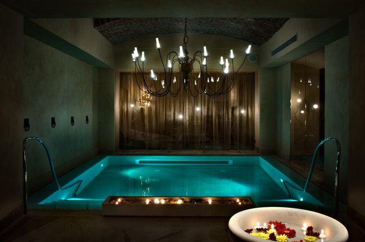 Pool in Hotel Château Monfort Milan