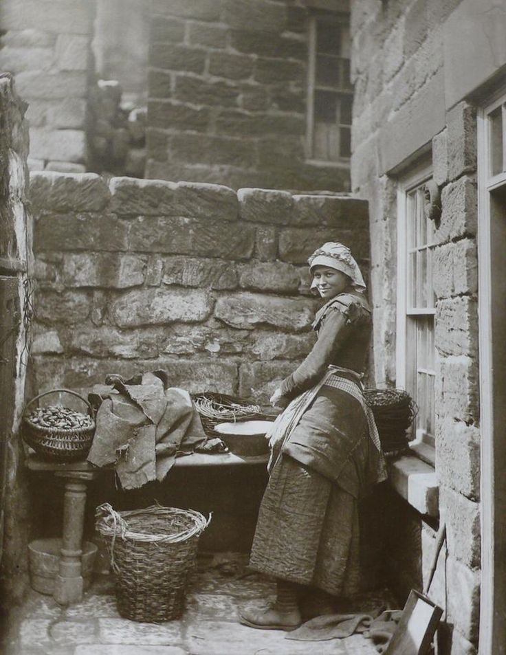Fisherwomen's clothing c. 1880-85 in Runswick Bay. Notice: the warm quilted skirt! Photographer, Frank M. Sutcliffe.