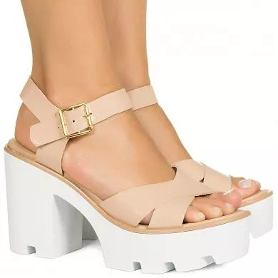 Sandalia flatform nude verniz tratorada Taquilla