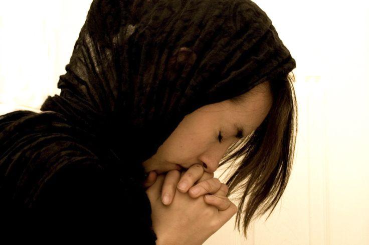 PSALMUL 142: Cea mai PUTERNICĂ RUGĂCIUNE! Spune-o chiar acum și vezi minunea