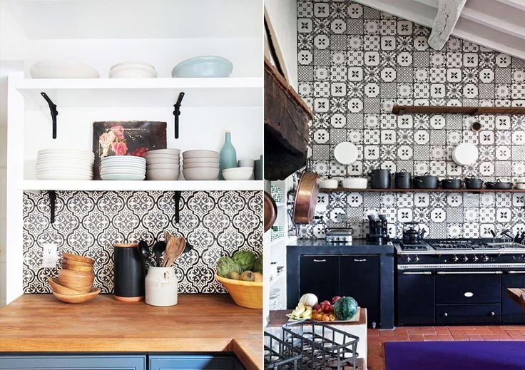 Кухня с открытыми полками #кухня #полки #дизайн #дизайнкухни #декор #kitchen #kichendesign #openshelves