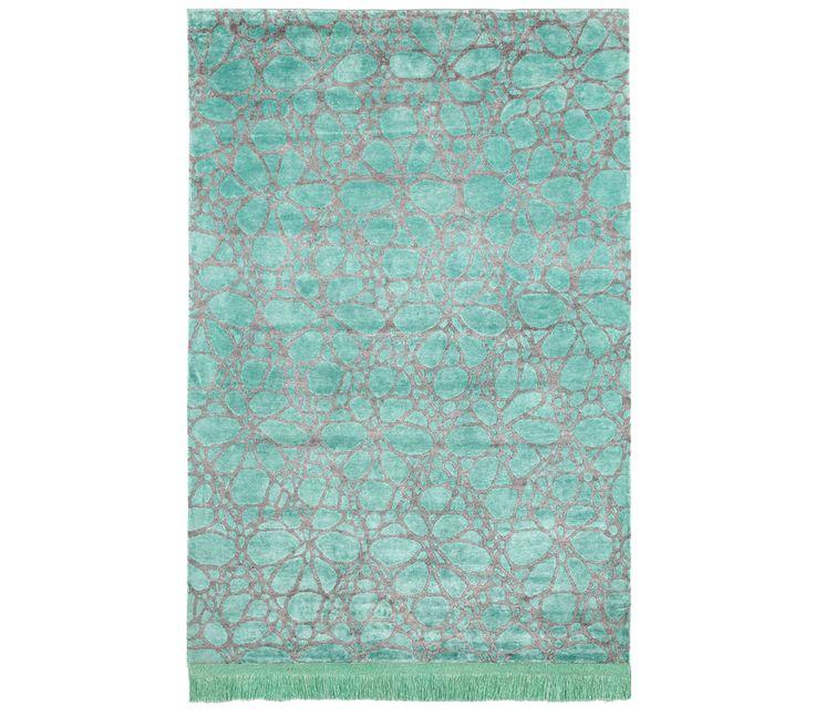 La alfombra del día: DANTE NOCTURNO TURQUESA Alfombras modernas de diseño anudadas a mano con seda vegetal (65%) y seda de bambú (35%). Estas brillantes alfombras presentan un colorido único, aspecto lujoso y suavidad extrema. Incorporan fleco en una de las cabeceras. Medidas disponibles: 170×240, 200×300 Si quieres ver más, [...]