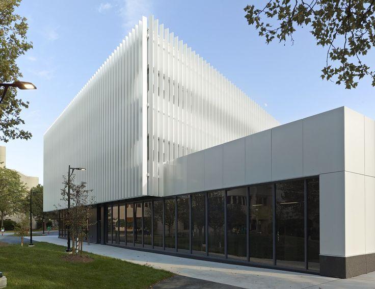 UTM Innovation Centre / Moriyama & Teshima Architects