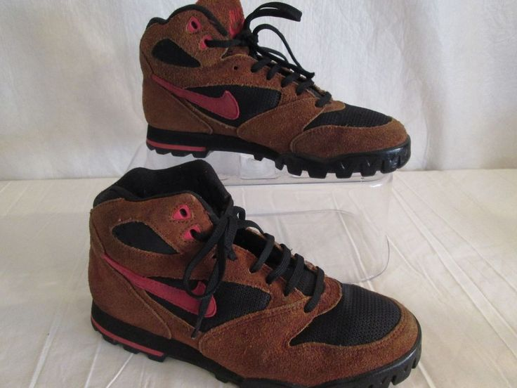 Women's  NIKE Hiking-Hunting  BOOTS Mid High Tops Size 9.5  #Nike #HikingHuntingBoots #WalkingHiking
