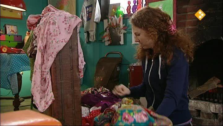 Aflevering 470. Er loopt een schaap bij het clubhuis. Carlijn gaat op zoek naar de eigenaar van het schaap en leert op de boerderij alles over schapen. Raaf probeert van de wol van het schaap een trui voor Carlijn te maken.