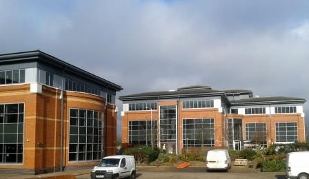 Recent work carried out by our team - curtain wall restoration at Status Park, near Heathrow Airport in London To read more about this project visit http://www.vandacoatings.co.uk/  #curtainwall #spraypaint #paint #restoration #statuspark