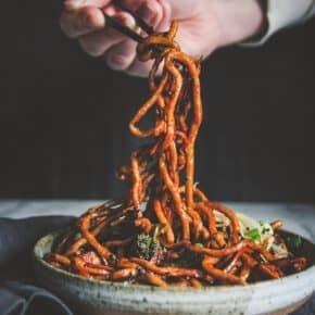 Vegetarian Japanese Pan Noodles - Sweetphi