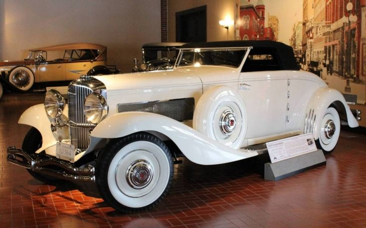 1935 Duesenberg Model JN Rollston Cabriolet