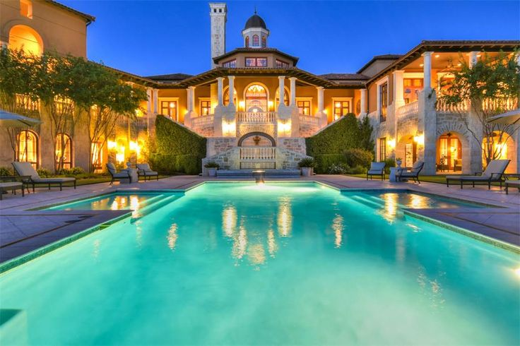Palatial Italian Villa in The Dominion • 14 Crescent Park • San Antonio, Texas 78257