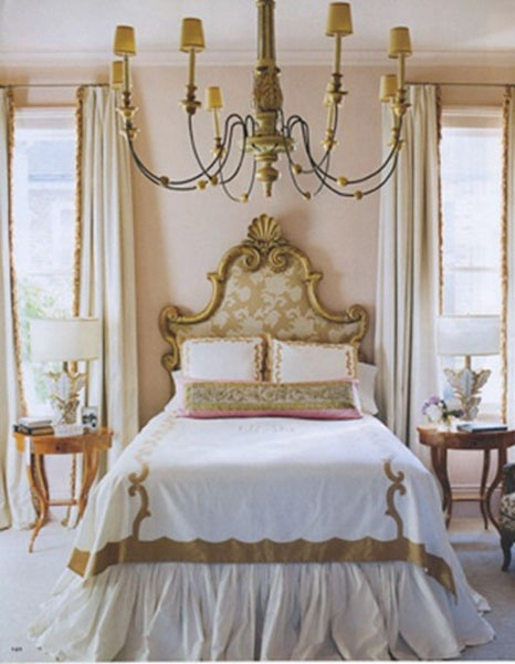 Pretty bedroom so shabby french that chandelier is great french country cottage chic - Cameretta shabby chic ...