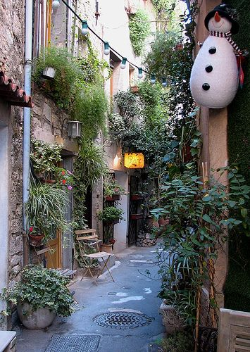 Mougins - Provence - France www.frenchalpsandprovencetours.com