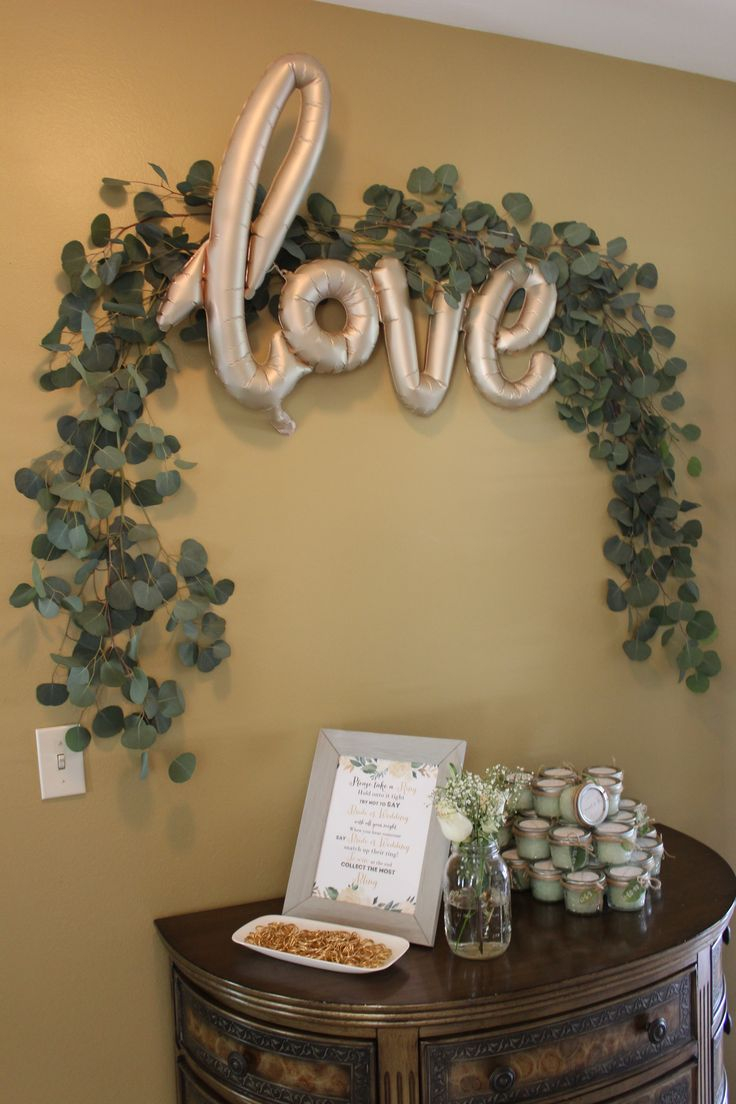 Best 25 bridal shower backdrop ideas on pinterest tulle for Where can i find wedding decorations