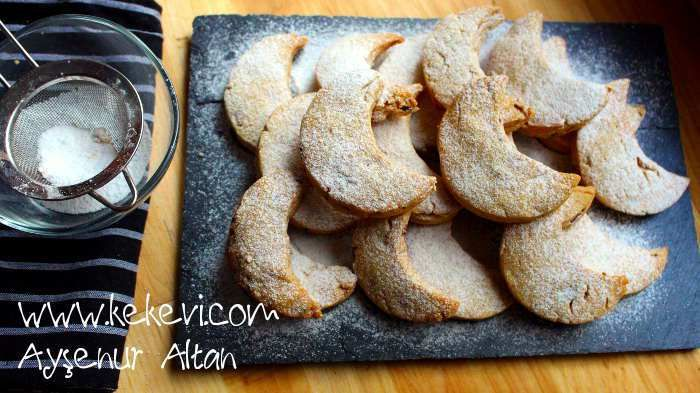 Bol bademli ve kavrulmuş unlu nefis bir kurabiye. Yunanistan ın Kavala şehrinden ünü buralara kadar gelen bu kurabiye ısırdığınızda ağzınızda lezzet patlaması yapıyor… :) Malzemeler: 1 buçuk …