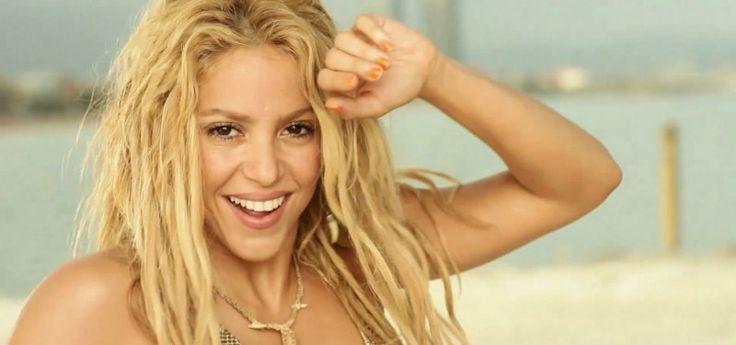 """Un tribunal de los Estados Unidos determinó que el éxito musical """"Loca"""" de la cantante colombiana Shakira, es producto de un plagio al trabajo de un compositor de origen dominicano, de acuerdo a información que manejan varias páginas internacionales de espectáculos."""
