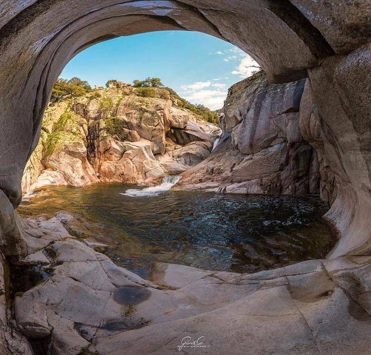 Sardegna-La cascata e le piscine naturali di Bau Mela a Villagrande Strisaili in una foto di Gabriele Careddu