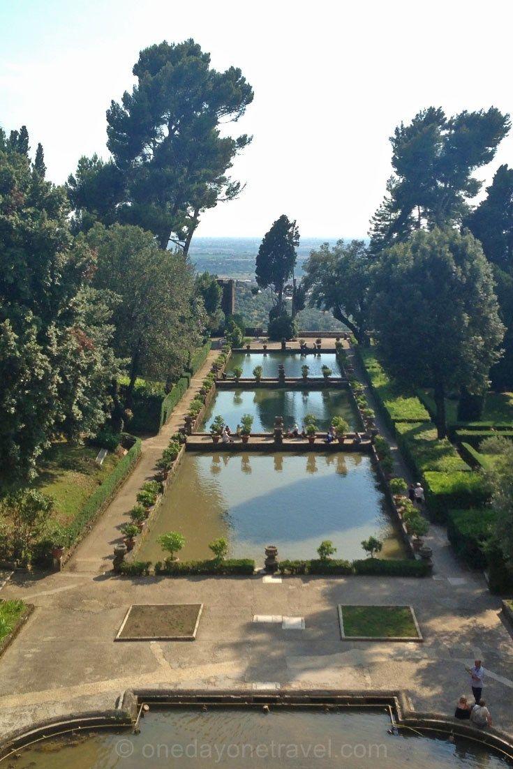 Ce sont les jardins qui sont la partie la plus somptueuse de la villa d'Este. Notre récit et vidéo à découvrir sur notre blog voyage : http://www.onedayonetravel.com/visiter-la-villa-deste-et-son-jardin-a-tivoli-excursion-depuis-rome/