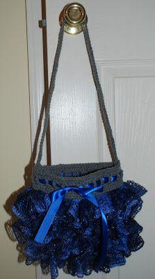 Sashay yarn purse, http://amray1976.blogspot.com/2013/02/crochet-sashay-yarn-purse.html