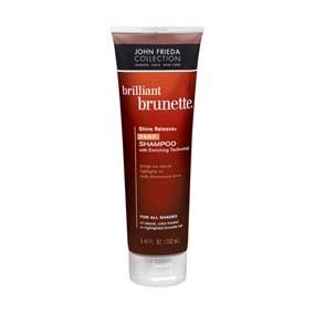 JOHN FRIEDA Shine Release Daily Shampoo All Shades 250 Ml Shampoo de uso diario para cabellos castaños naturales o tratados. Diseñado con tecnología de enriquecimiento de color y aceite de almendras, que aporta brillo y suavidad al cabello.