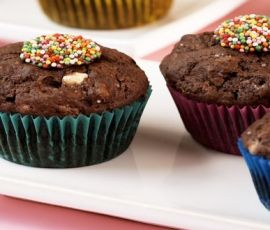 Double Choc Speckle Muffins: ALLEN'S FRECKLES add a colourful speckle to these fun muffins, and are the perfect treat for kids' birthday parties. http://www.bakers-corner.com.au/recipes/allens/double-choc-speckle-muffins/