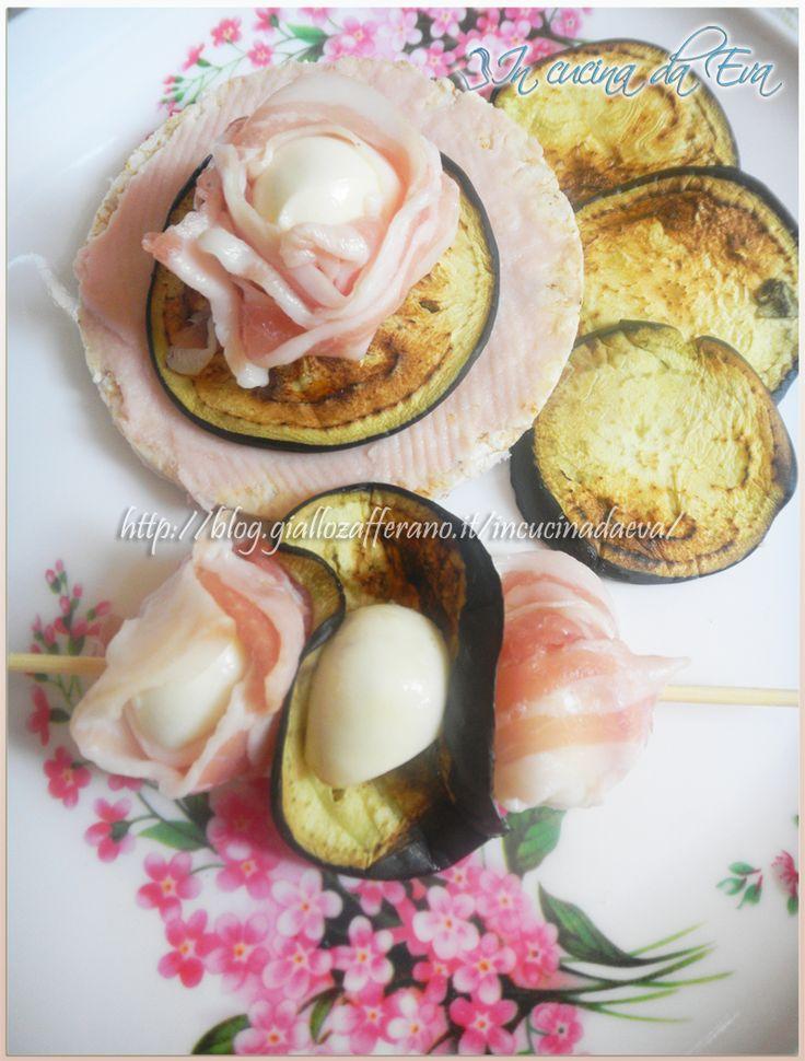 Antipasto veloce con mozzarella pancetta e melanzane