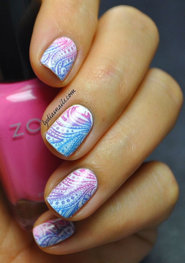 Lydia's Nails: Blue and Pink Gradient Stamp: http://www.lydiasnails.com/2014/11/blue-and-pink-gradient-stamp.html