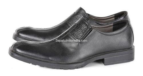 Sepatu pria G 0181 adalah sepatu pria yang nyaman dan elegan....