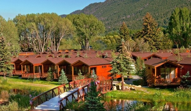 Rustic Inn: Rustic Inn's collection of log cabins sits by a lazy river just outside of Jackson Hole.