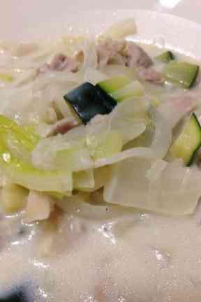 残り野菜の豆乳スープの画像