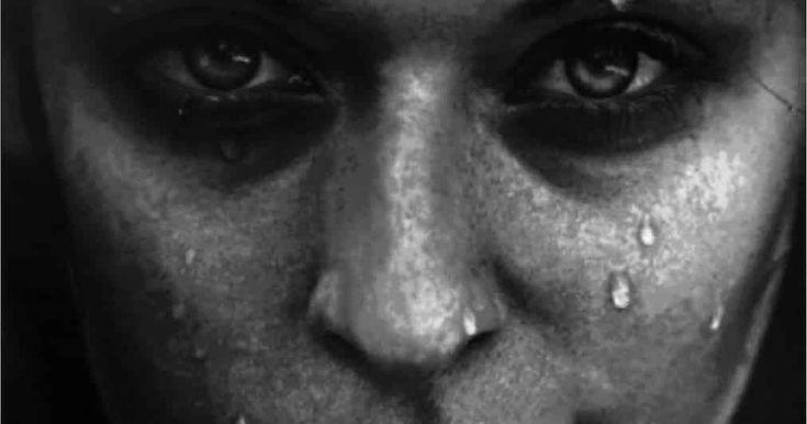 """Anhelada lujuria es un poema de un encuentro entre dos amantes que se desean y que han alimentado su deseo durante el tiempo que tardaron en encontrarse.  Prólogo al episodio #629 Anhelada lujuria.  La lujuria es un pecado capital no mortal eso dicen muchas religiones pero... Quién no ha podido dejar de contenerse por muy religioso que sea?. Es posible que en otros tiempos el recato y el decoro no dejara hacerlo con tu esposa aunque los """"consejeros de la religión"""" siempre aconsejaran a ellas…"""